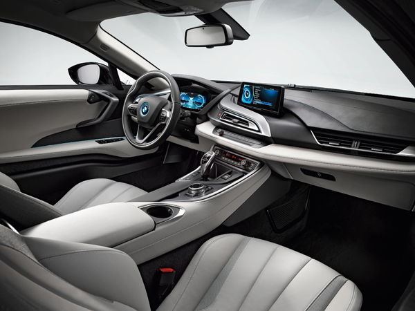 BMW i8 plug-in hybride sportcoupe side interieur