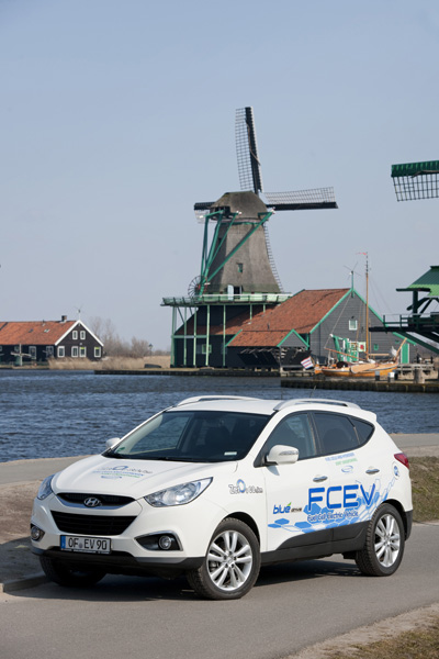 Hyundai ix35 Fuel Cell windmill