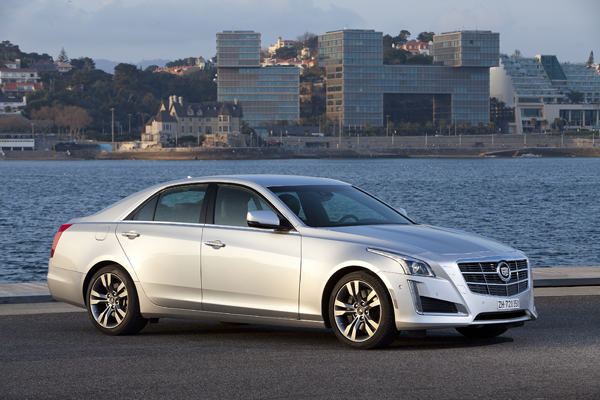 Cadillac CTS- side