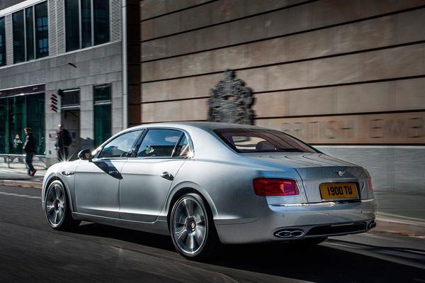 Bentley Flying Spur V8 back