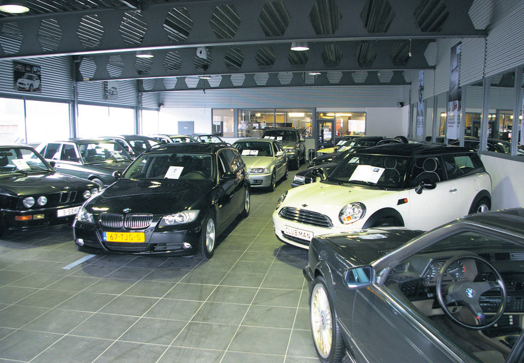 Ensing Automobielen showroom2
