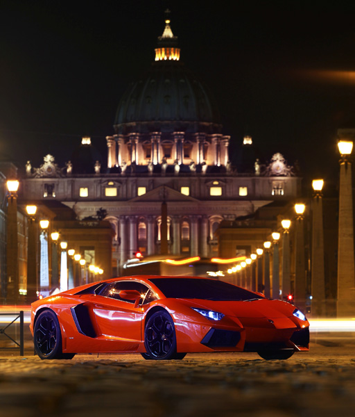 Lamborghini Toscana Tour night