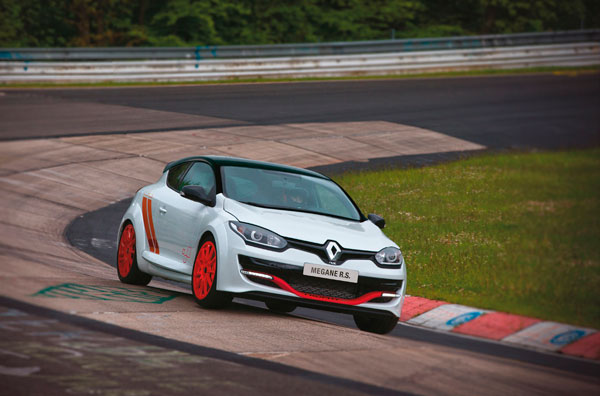 Renault Megane RS 275 Trophy record dynamic2