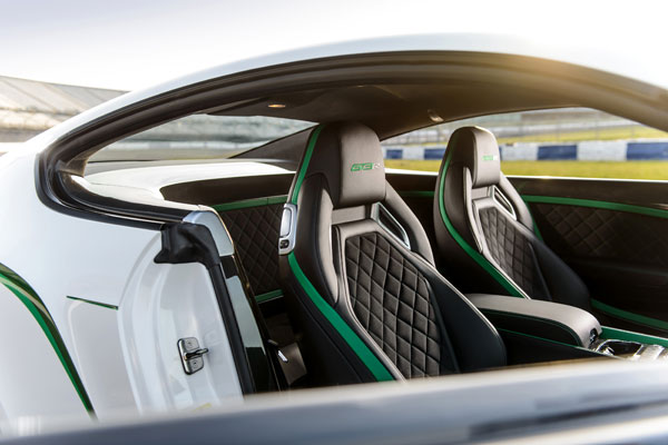 Bentley Continental GT3-R stoelen