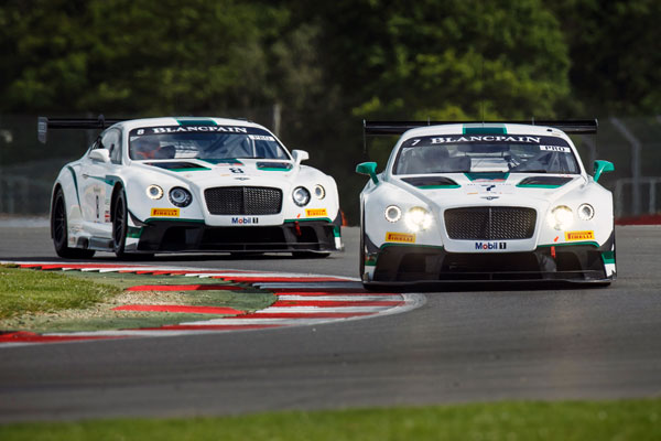 Bentley GT3 Silverstone action