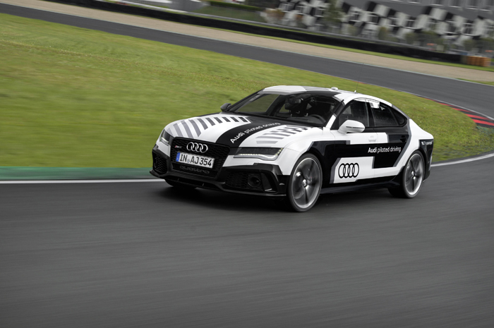 Audi RS 7 Concept Piloted Driving action2