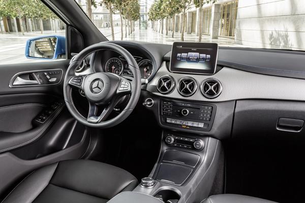 Nieuwe mercedes benz b klasse ook een pionier in for Mercedes a klasse amg interieur