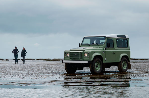 Land Rover Defender Heritage beach
