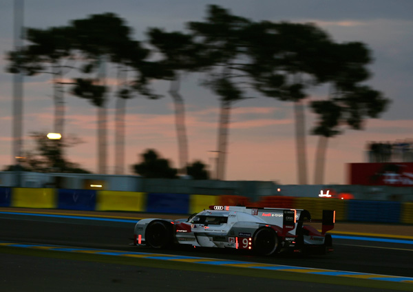 Audi Le Mans 2015 night