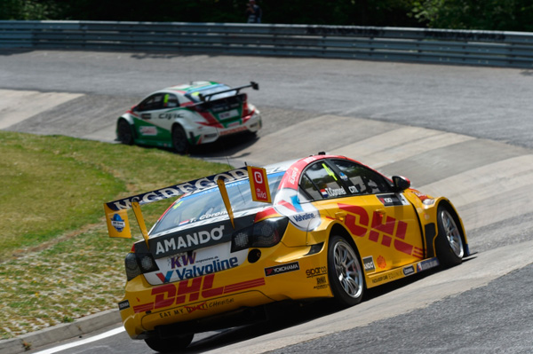Tom Coronel WTCC Nurburgring 2015 back action