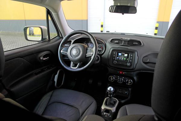 Jeep renegade ook als bedrijfswagen vanaf autoplus for Interieur jeep renegade