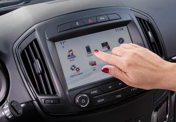 Opel Insignia nu met vernieuwd Navi 900 IntelliLink en