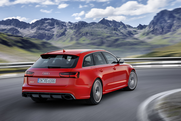 Audi RS6 Avant performance back dynamic