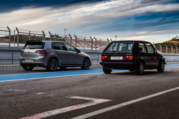 VW Golf GTI Pirelli vs VW Golf GTI Clubsport back
