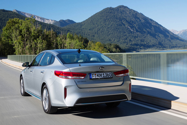 KIA Optima PHEV back dynamic