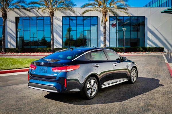 KIA Optima Hybrid 3kw back