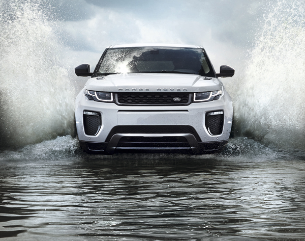 Range Rover Evoque 500000 production action