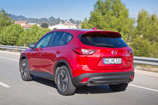 Mazda CX5 action back