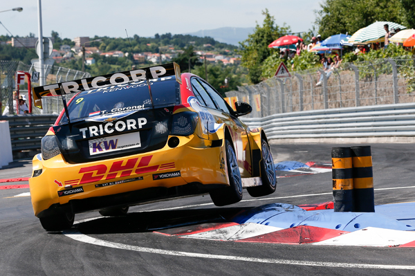 Tom Coronel WTCC Portugal zege action back