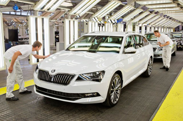 Skoda Superb Combi production