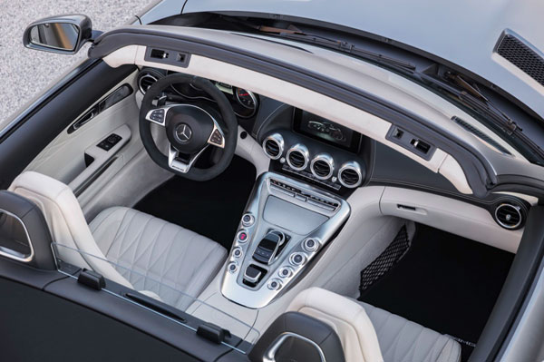Mercedes AMG GT Cabrio interieur top