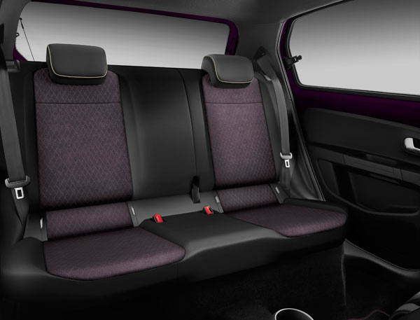 SEAT Mii by Cosmopolitan Century 2016 backseat