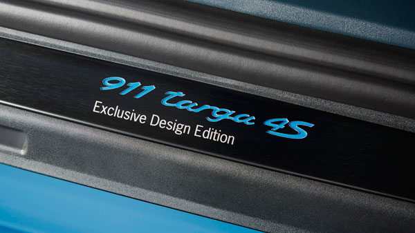 Porsche 911 Targa 4s exclusive badge