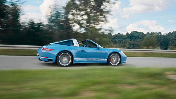Porsche 911 Targa 4s exclusive side dynamic