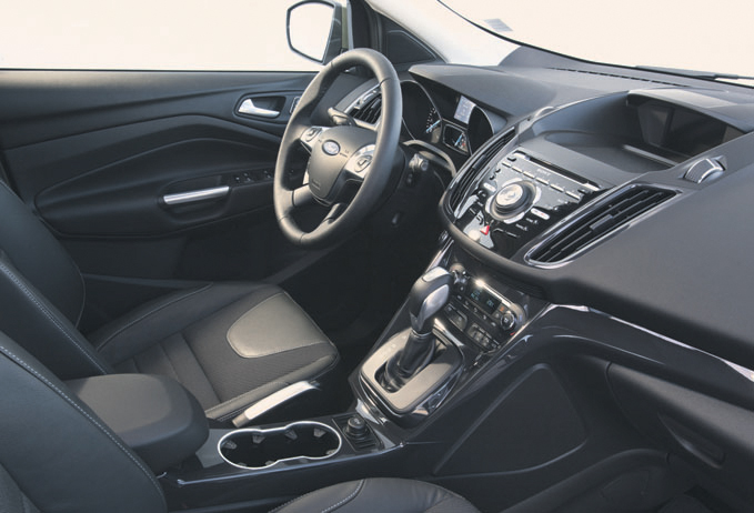 Toon items op tag kuga autoplus for Interieur ford kuga