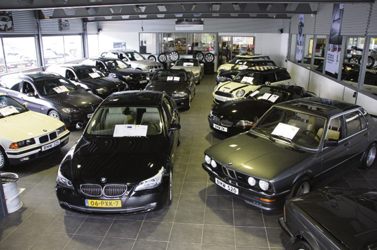 Ensing-Automobielen-showroom