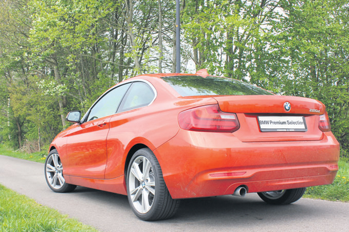 BMW 2 Serie Coupe achterkant