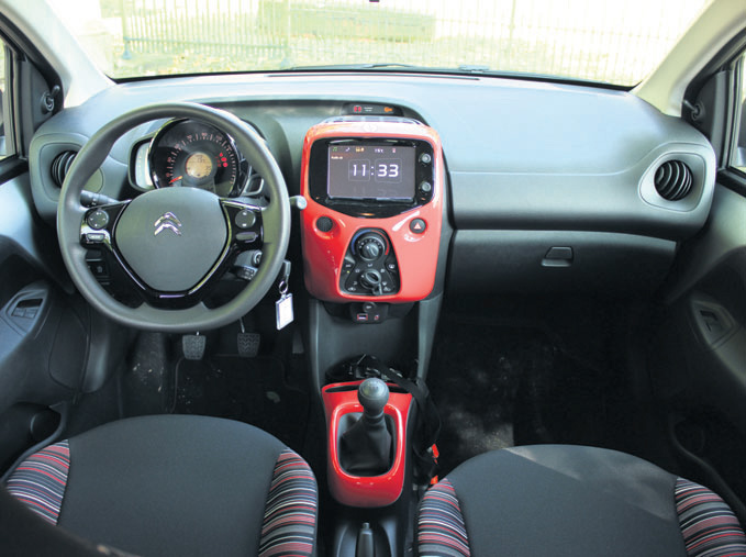 Citroen-C1-interieur