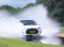 Citroen DS4 test waterbak
