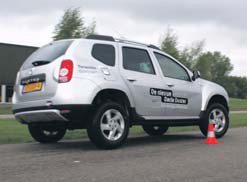 Dacia-Duster-test-slalom