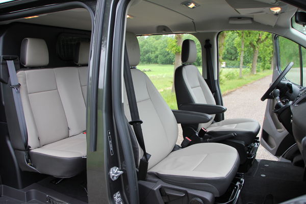 ford transit custom anniversary edition dubbele cabine 270 l1h1 autoplus. Black Bedroom Furniture Sets. Home Design Ideas