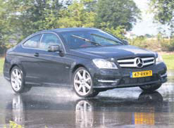 Mercedes-Benz C Klasse Coupe test slipvlak