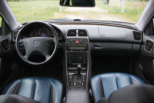 Mercedes-Benz-CLK430 interieur