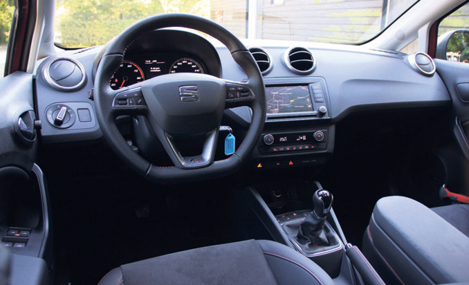 Seat Ibiza EcoTSI FR Connect interieur