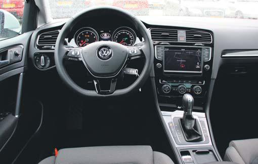 Volkswagen golf vii highline 1 4 tsi 140pk act bluemotion for Golf 7 interieur