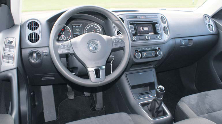 volkswagen tiguan 1 4 tsi bluemotion technology sport style autoplus. Black Bedroom Furniture Sets. Home Design Ideas