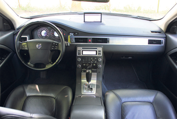 Volvo V70 2.4D Automaat Limited Edition - Autoplus