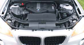 BMW-X1-test-motorcompartiment