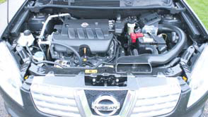 Nissan Qashqai 2WD Acenta test motorcompartiment