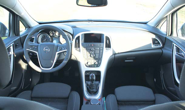 Opel Astra 1.6 Turbo test interieur