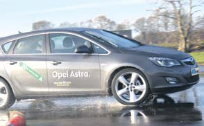 Opel Astra 1.6 Turbo test slip