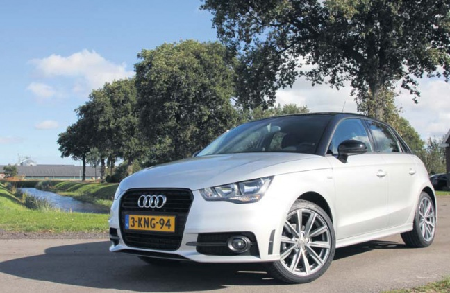 audi a1 1 2 tfsi sportback admired autoplus. Black Bedroom Furniture Sets. Home Design Ideas