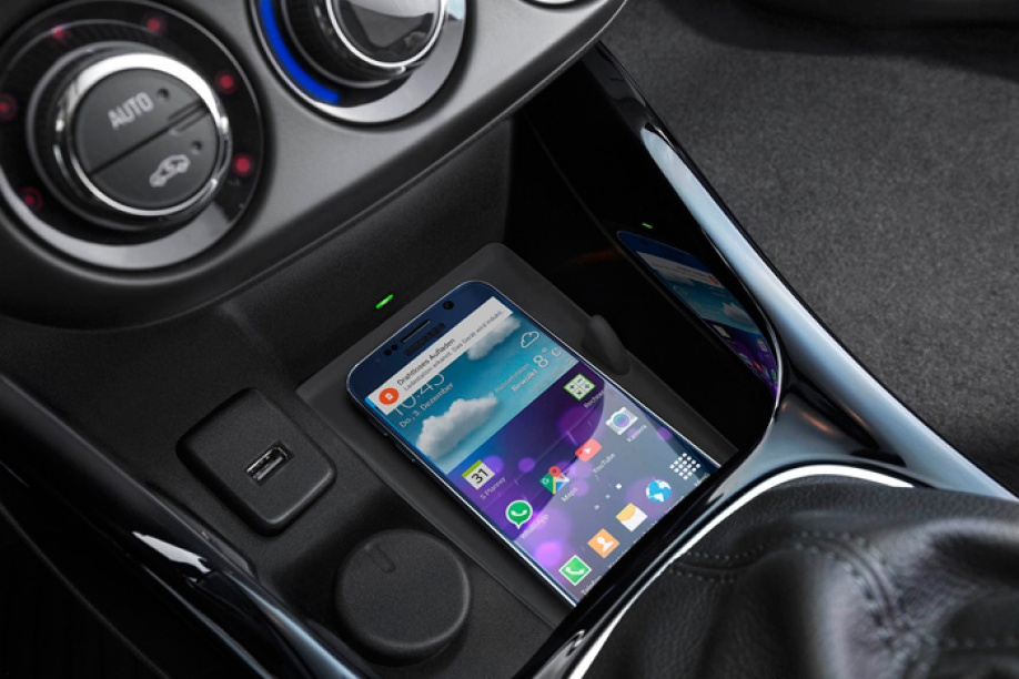 Audi maakt draadloos opladen smartphone in de auto mogelijk