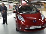 Prins Charles bezoekt Nissan-fabriek