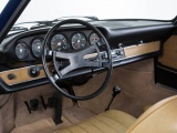 Klassiek Porsche 911 dashboard weer in productie