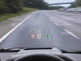 Land Rover met wereldprimeur van laser Head-Up Display op Autosalon van Parijs